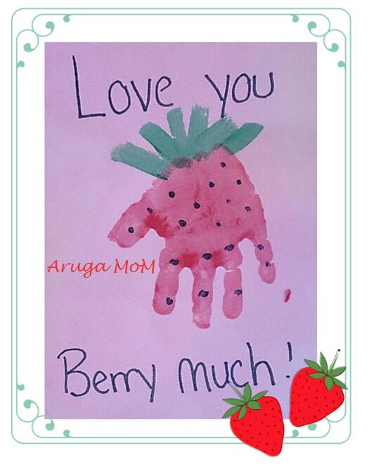 イチゴの手形アート