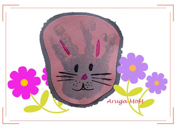 手形足型アート。ウサギ
