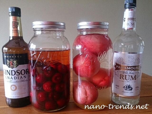 アメリカで作るモモとアメリカンチェリーの果実酒