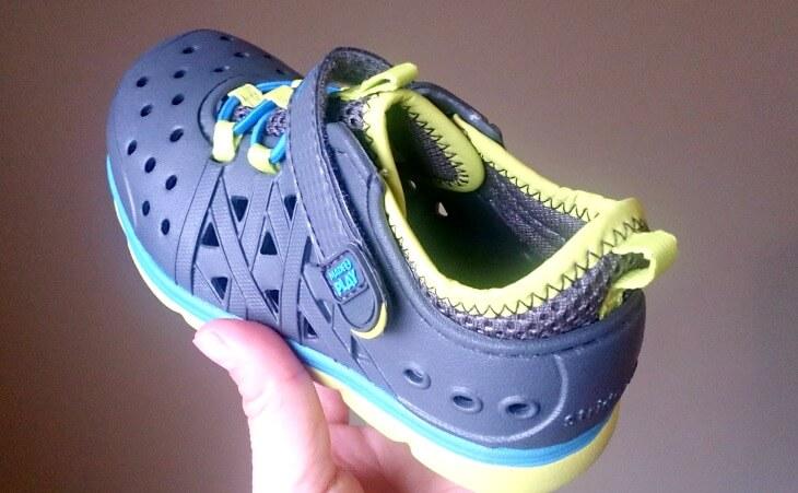 子供靴、アメリカ、洗える靴、水遊び用の靴、Stride rite、Made2play