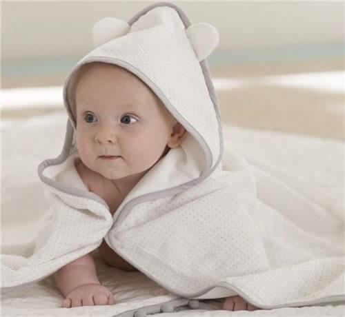 アメリカで買う出産祝い。ベビー用バスタオル。