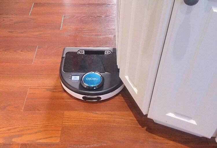 お掃除ロボットNEATOをアメリカの一軒家で使う。