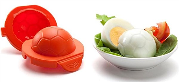アメリカのキッチングッズ。卵の押し型、サッカーボール