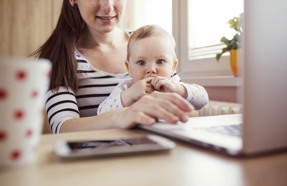 赤ちゃんがいてもできるサーベイサイトでお小遣い稼ぎをしている主婦